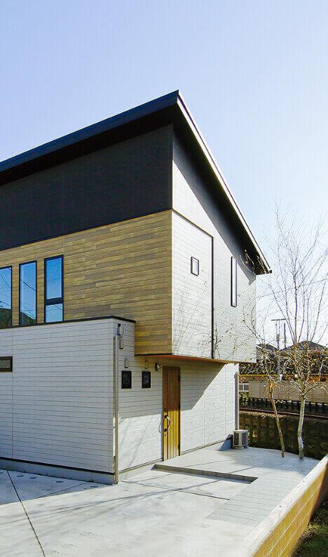 ウッドデザインのスタイリッシュなお家の外観