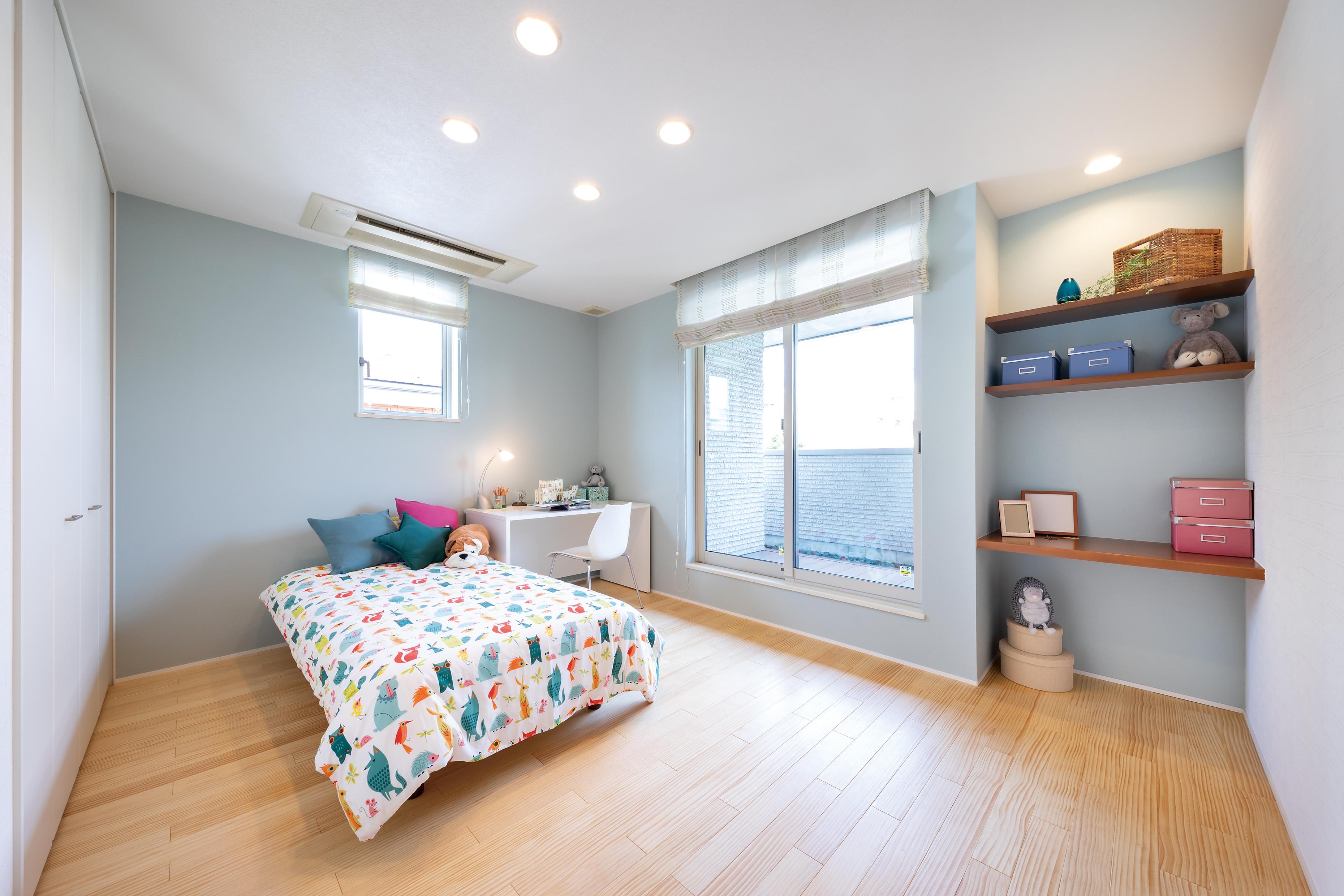 日当たりのよく明るい子ども部屋。クローゼットを設け、お部屋はすっきり使えます。