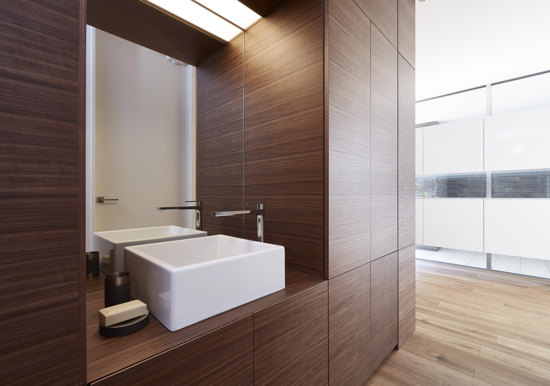 玄関横には手洗いを設置。