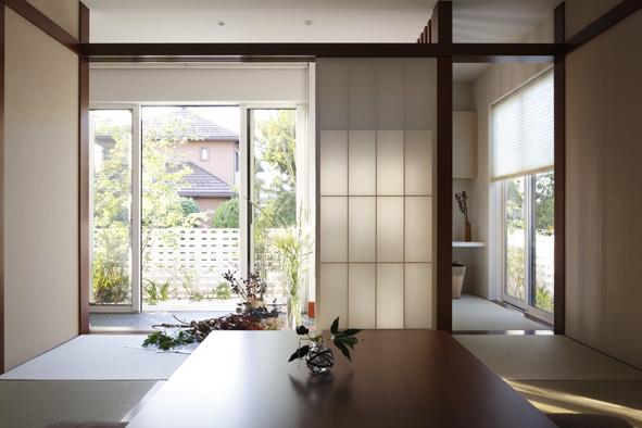 日本古来の意匠を生かしてつくられた和室は、日本の情緒がたっぷり。お客様の応接にも最適です。