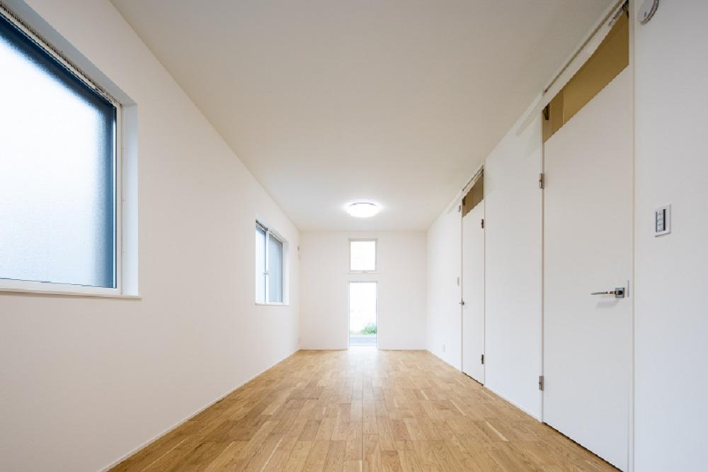 1階の洋室は将来的に2部屋に区切って使用できます。